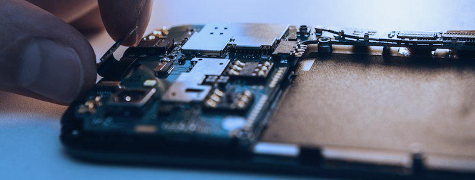 Samsung Warns of Deepening Chip Shortage
